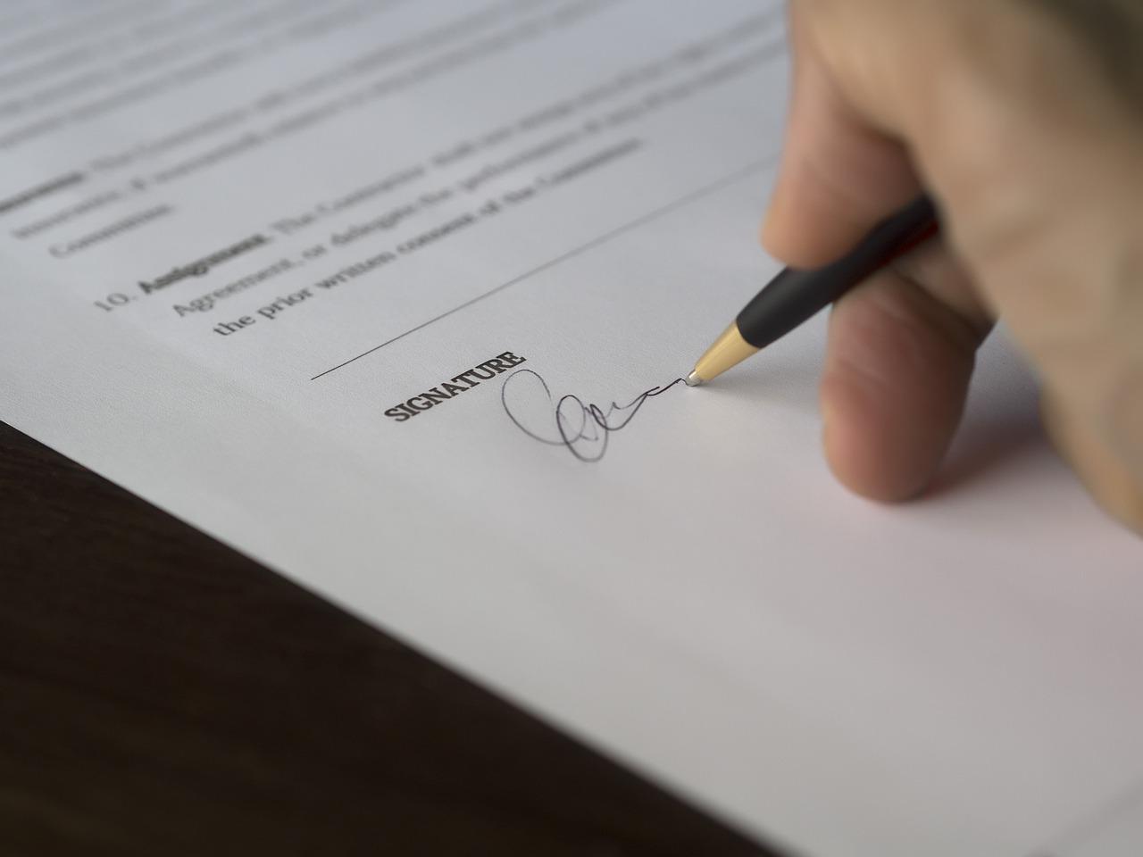 Rada právnika zadarmo nie je- vzory zmlúv však áno!